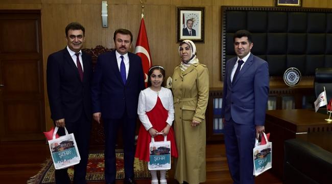 """TEMSİLİ BAŞKAN EKER: """"DÜNYADAKİ TÜM ÇOCUKLARIN SEFALETİ SON BULSUN"""".."""