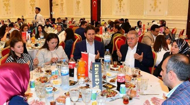 ONİKİŞUBAT AİLESİ İLK İFTARI BİRLİKTE YAPTI..