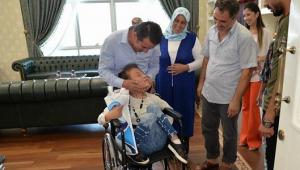 BAŞKAN OKUMUŞ'DAN ENGELLİ VATANDAŞLARA TEKERLEKLİ SANDALYE..