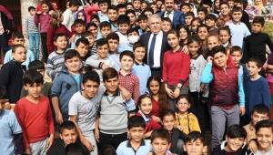 """Başkan Mahçiçek;""""Her Çocuk İnsanlığın Geleceğini Yüreğinde Taşır"""".."""