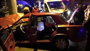 Otomobil elektrik direğine çarptı: 1 ölü, 3 yaralı...