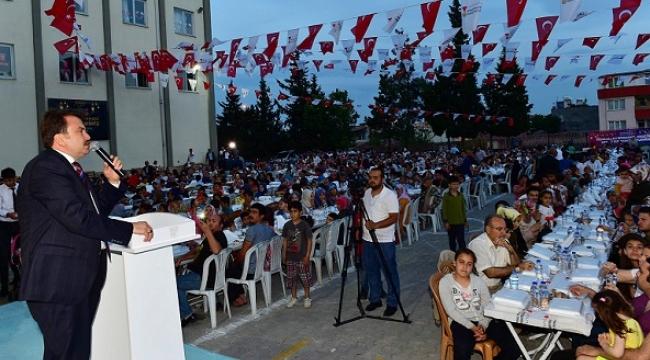 BÜYÜKŞEHİR'DEN İLÇELERDE 50 BİN KİŞİLİK İFTAR..