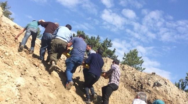 Sulama kanalına düşen 3 işçi yaralandı...