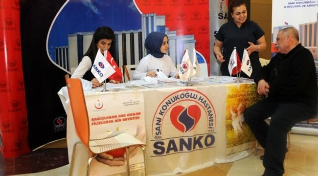 ORGAN NAKLİ MERKEZİ EKİBİ, SANKO PARK AVM'DE BİLGİLENDİRME YAPIYOR