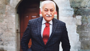 """YAVUZ BÜLENT BAKİLER'E """"FAHRİ HEMŞEHRİLİK BERATI"""""""