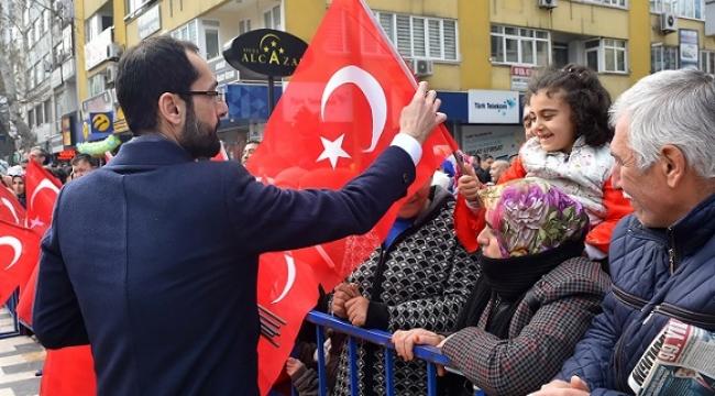 12 ŞUBAT'IN ANISINA 12 BİR TÜRK BAYRAĞI..