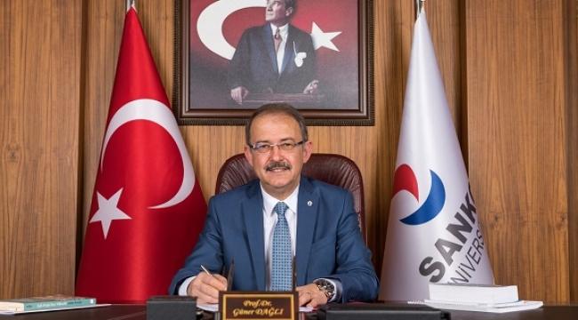 """15 Temmuz, Türkiye Cumhuriyeti'nin bağımsızlığından asla ödün vermeyeceğini tüm dünyaya bir kez daha gösterdiği tarihtir"""".."""