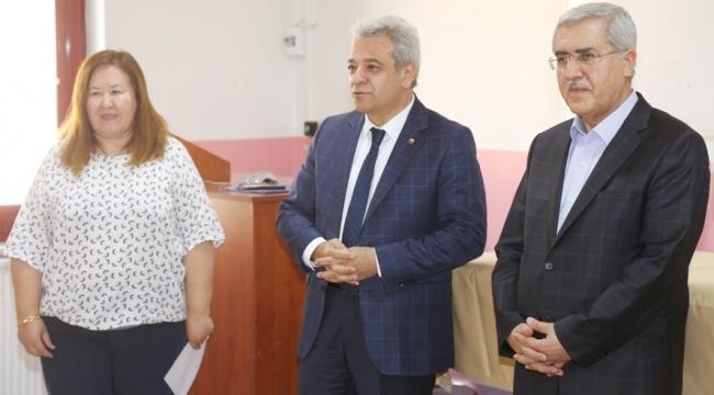 KMTSO Başkanı Zabun Tekstil Mühendislerinin İlk Dersine Katıldı