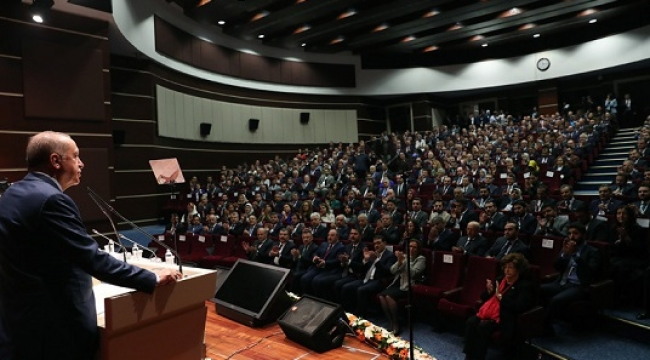 Başkan Güngör İl Başkanları Toplantısı'nda.