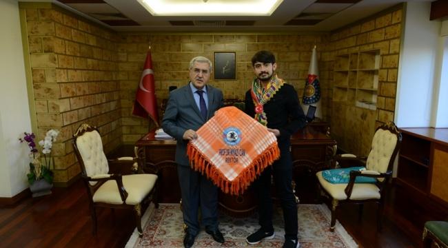 Türkiye'nin En Genç Yörük Türkmen Beyinden Rektör Can'a Ziyaret