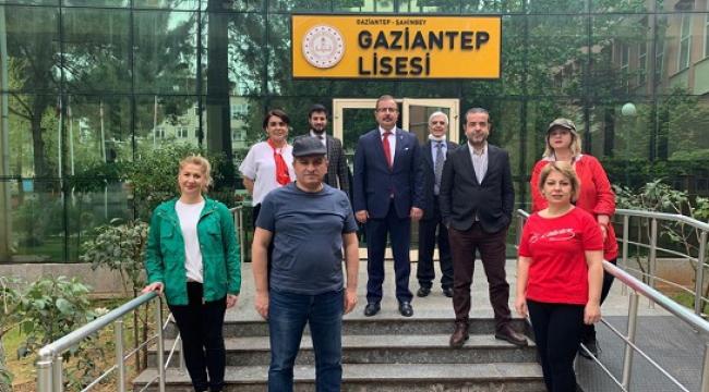 GAZİANTEP LİSESİ MEZUNLARI ÇOCUKLAR İÇİN BİR ARAYA GELDİ..
