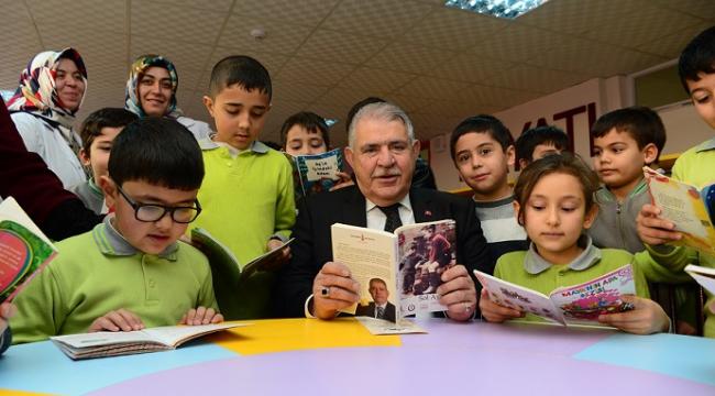 Başkan Mahçiçek Dünya Okuma Günü'nü kutladı....
