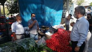 Milletvekili Aycan, pazar esnafının sorunlarını dinledi..