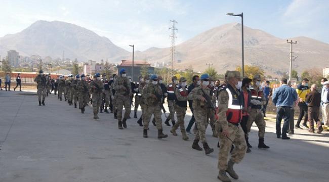PKK/KCK'dan gözaltına alınan 15 kişi serbest bırakıldı ..