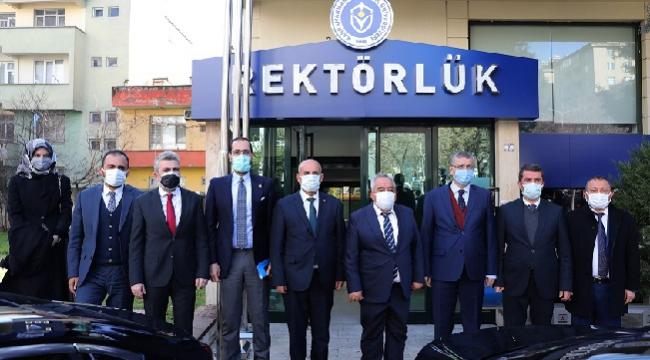 AK PARTİ MİLLETVEKİLLERİ İSTİKLAL ÜNİVERSİTESİ'Nİ ZİYARET ETTİ..