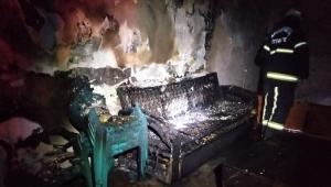 Alkollü fazla kaçırınca yaşadığı evi yaktı..