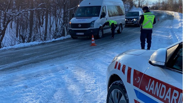 Jandarma trafik sürücüleri uyardı..