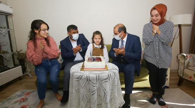 Şehit kızına emniyet müdüründen doğum günü sürprizi..