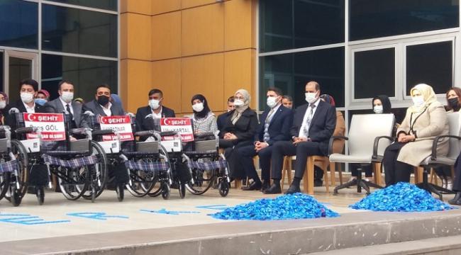 Tekerlekli sandalyeler şehit isimleriyle dağıtıldı..