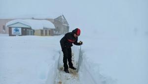 Yedi Kuyular Kayak Merkezi'nde kar kalınlığı 95 santimetreye ulaştı..