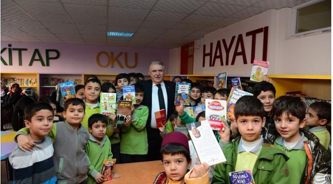 Onikişubat Belediyesi Kitap Okurlarını Kitapla Ödüllendiriyor..