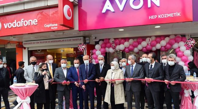 Avon, mağaza konsepti ile Kahramanmaraş'ta..