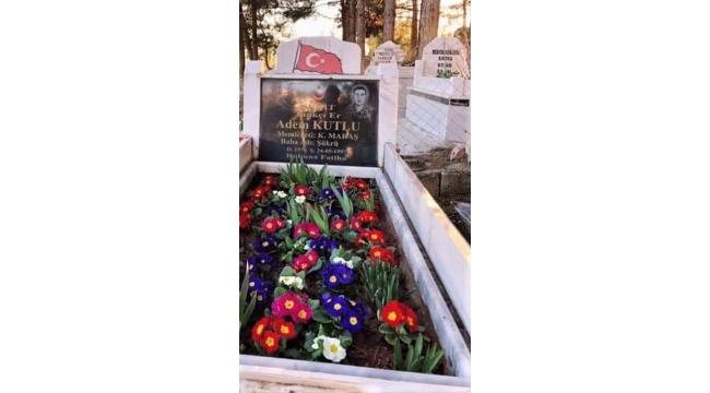 Şehit Adem Kutlu şehadetinin seneyi devriyesinde mezarı başında anıldı