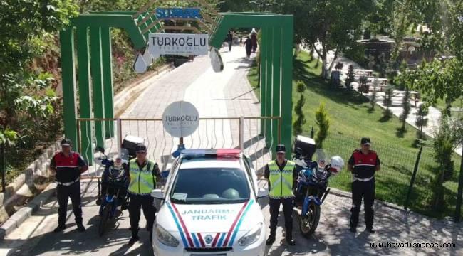 Türkoğlu'nda jandarma trafikten droneli denetim