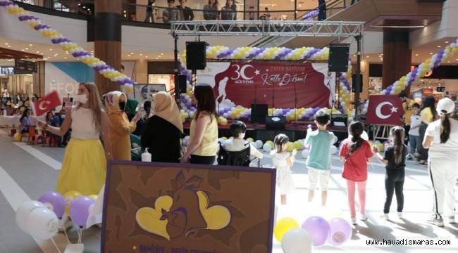 Onikişubat Belediyesi Zafer Bayramı Programı +1 Farkla Piazza'da
