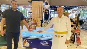 Alpedo'dan Dev Anlaşma: Katar'a Dondurma ve Tatlı Gönderiyor