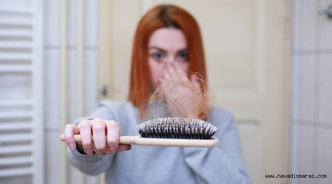 """Dr. Demir, """"Saç dökülmesi kök hücre yöntemiyle engellenebilir"""""""