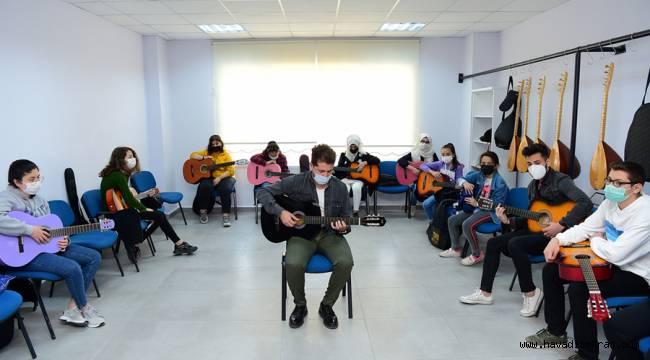 Dulkadiroğlu Gençlik Merkezi Gençlerin Gözdesi Oldu